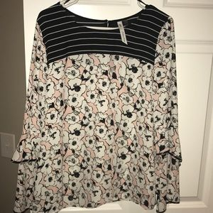 Tops - Brand new never worn floral blouse